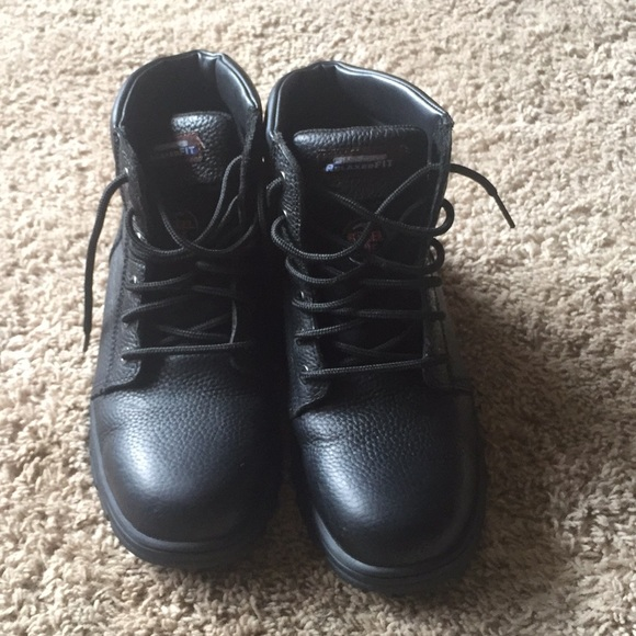 5b4a455a19f Used black size 9.5 Skecher steel toe boots